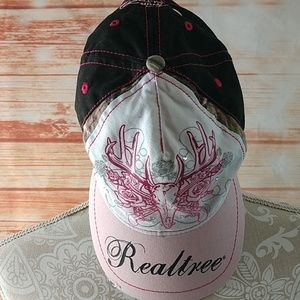 Women's Realtree hat. OS